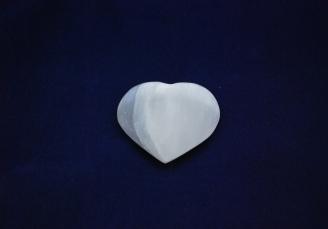Selenite heart 467 (2)