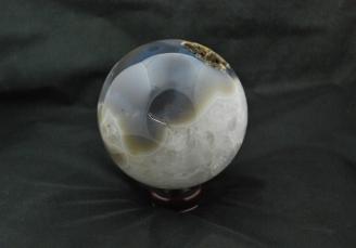 Agate geode ball 1090 (7)