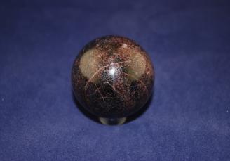 garnet-sphere-1384-1